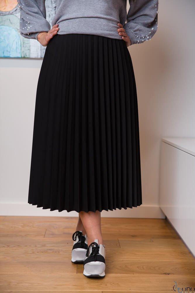czarna plisowana spódnica na podszewce 44 rozmiar