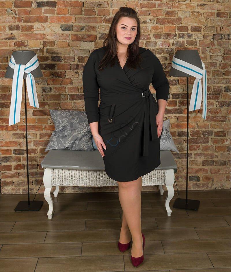 cab5f526ee Czarna sukienka damska KIMBERLY kopertowa Size Plus ✅ darmowy ...
