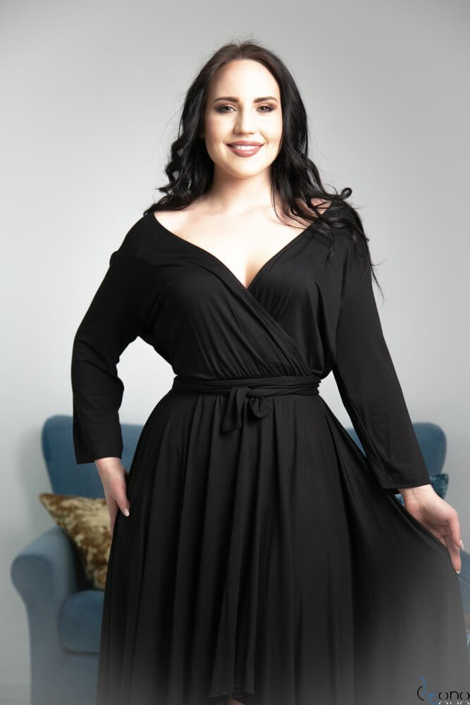 Czarna Sukienka LUPITA Plus Size
