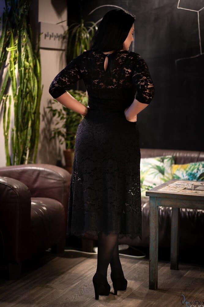 Czarna Sukienka REZZA Plus size koronka