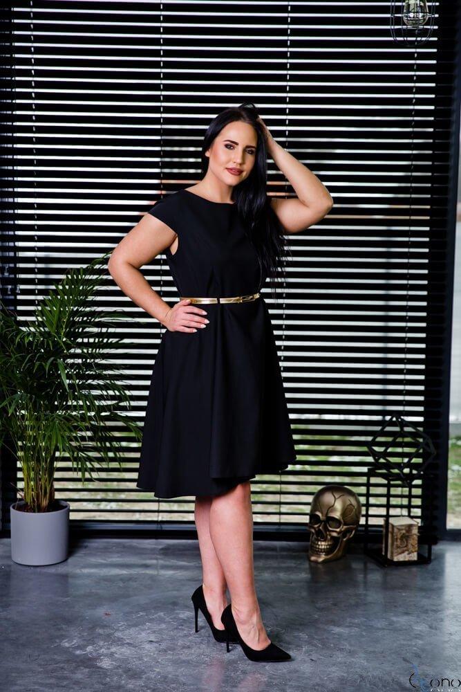 Czarna Sukienka SALIVAN Plus Size