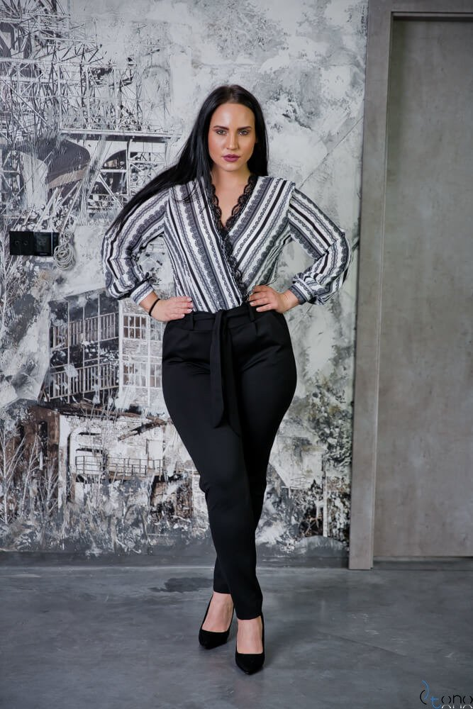 Czarno-Białe Body FAMOSA Plus Size