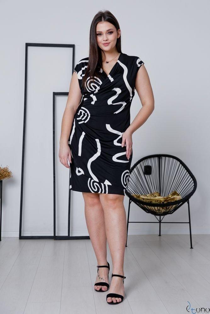 Czarno-biała Sukienka VENGA Plus Size
