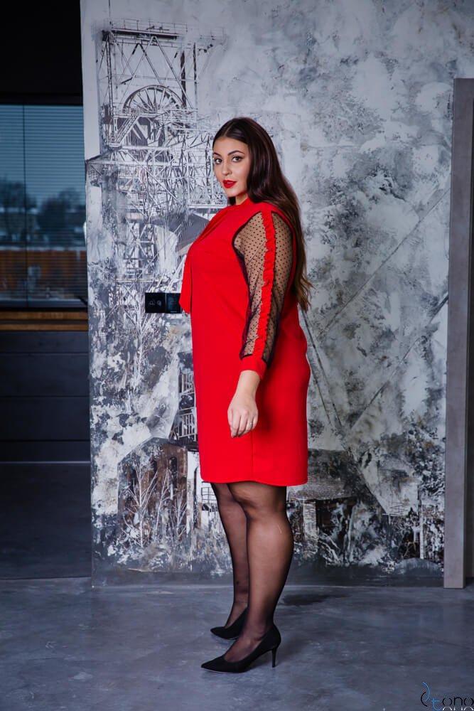 Czerwona Sukienka SOLVITA Plus Size Krawatka