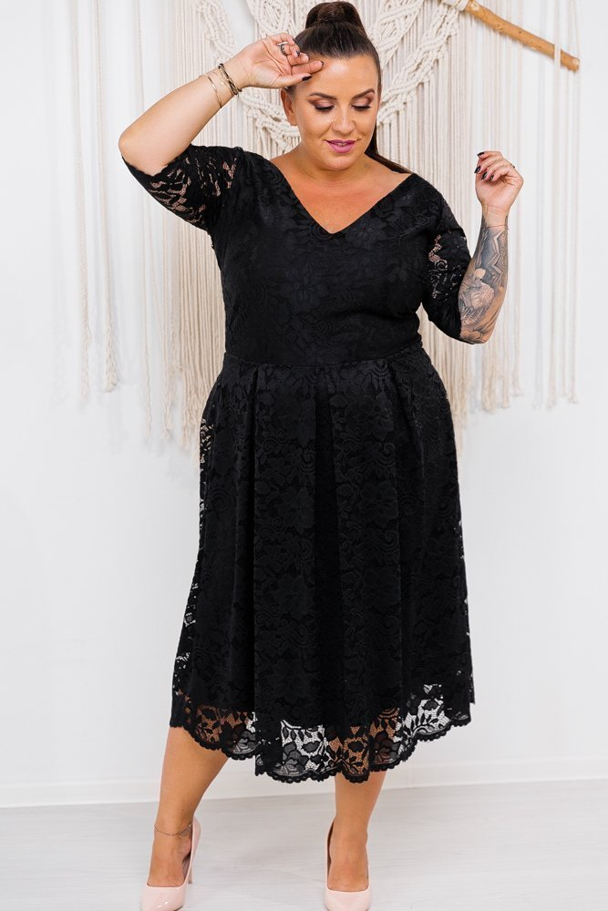 Czarna Sukienka FLAYA Plus Size