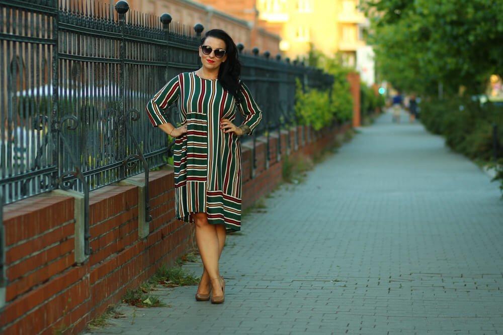 Zielona sukienka VAYANA Duże rozmiary